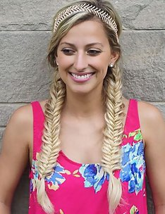 Прически на длинные тонкие волосы #11