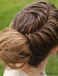 Прически на длинные тонкие волосы #17