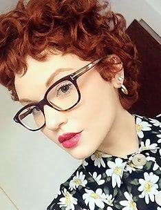 Стрижка пикси на вьющиеся волосы #14