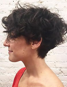 Стрижка пикси на вьющиеся волосы #29