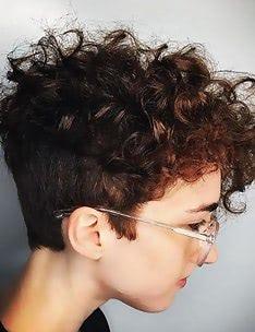 Стрижка пикси на вьющиеся волосы #37