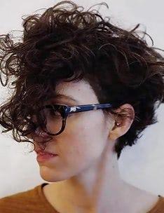 Стрижка пикси на вьющиеся волосы #56