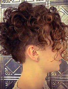 Стрижка пикси на вьющиеся волосы #80