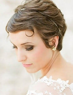 Свадебные прически на короткие волосы #33
